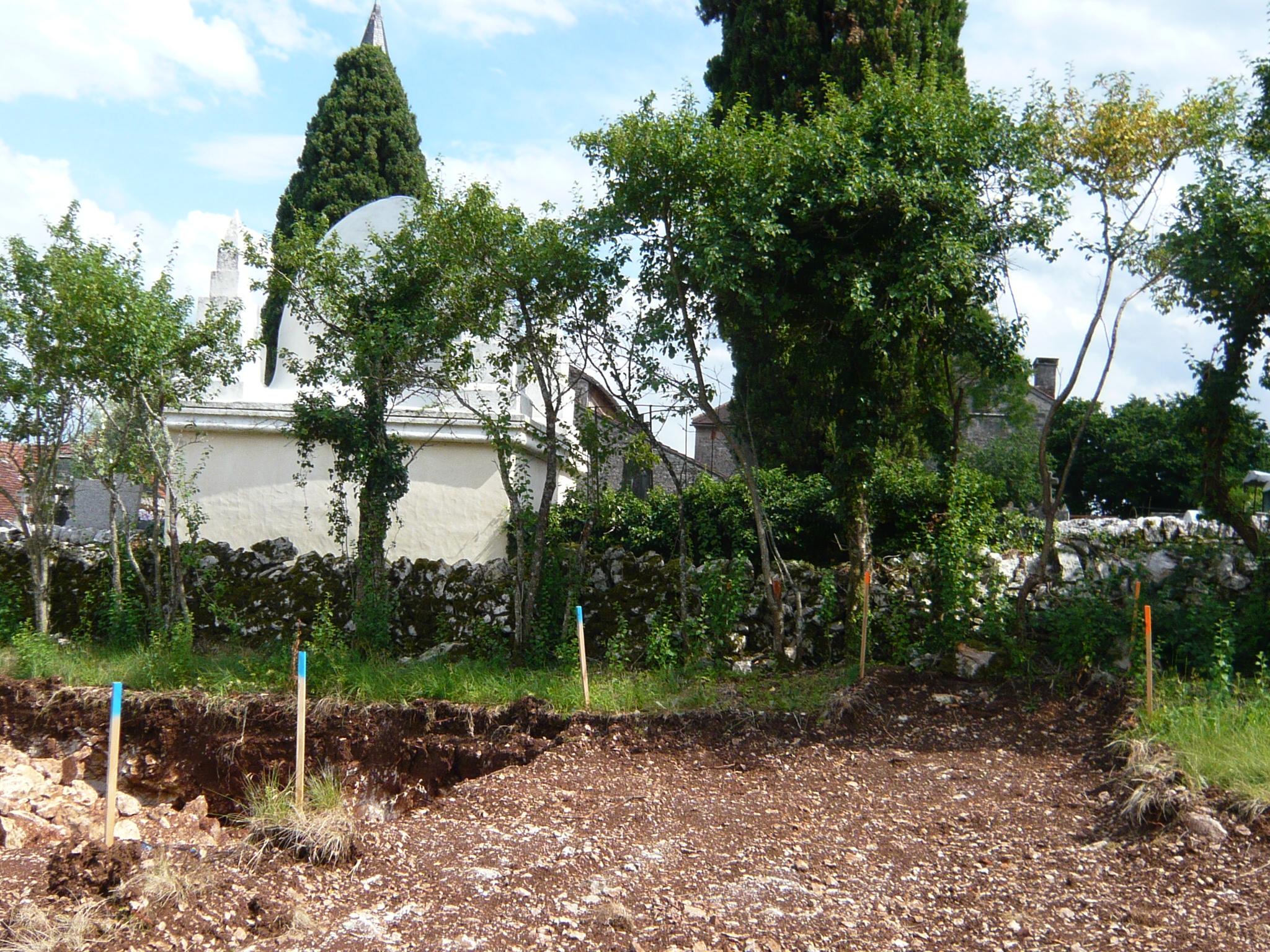 Traçage de l'accès piéton depuis l'ancien cimetière