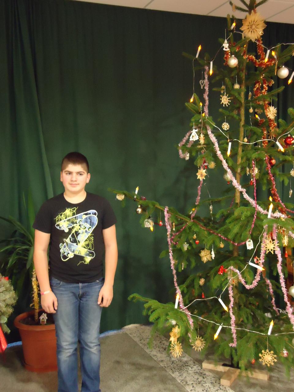 Ein Danke an Lukas und seinen Eltern für den schönen Christbaum