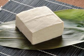 たんぱく質や糖質を多く含み、食物繊維も豊富。しっかりコシがある。