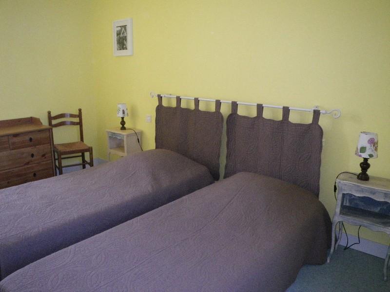 Chambre de 2 lits simples (accessible par l'escalier de gauche)