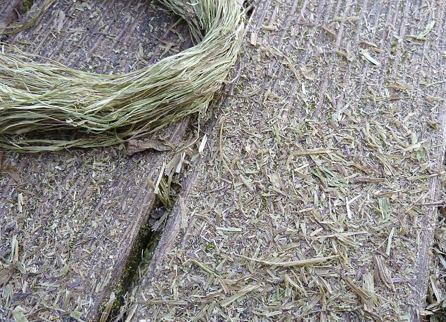 abfallende Reste von den Fasern