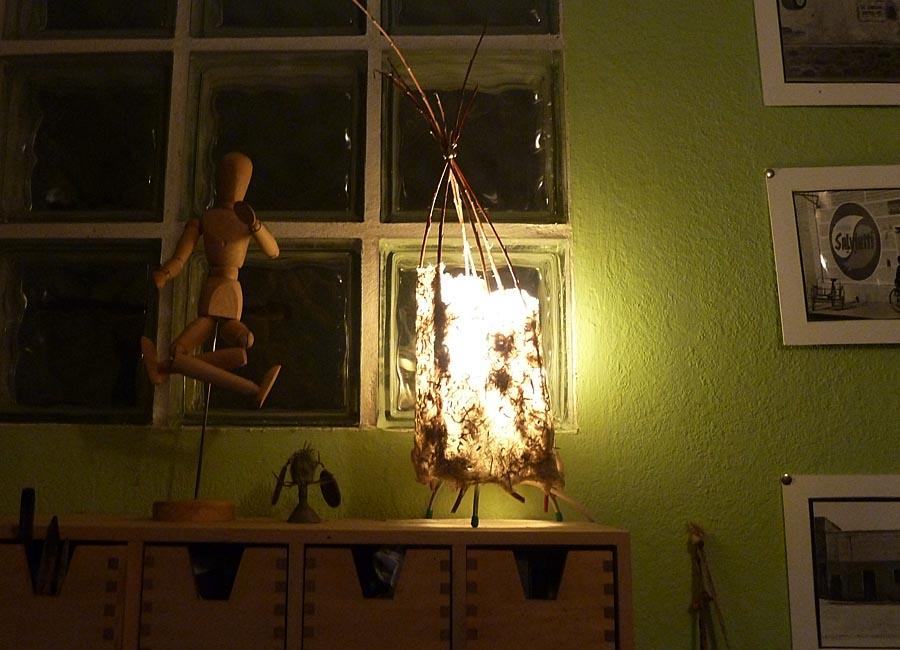 Lampenschirm auf einem Stehlicht