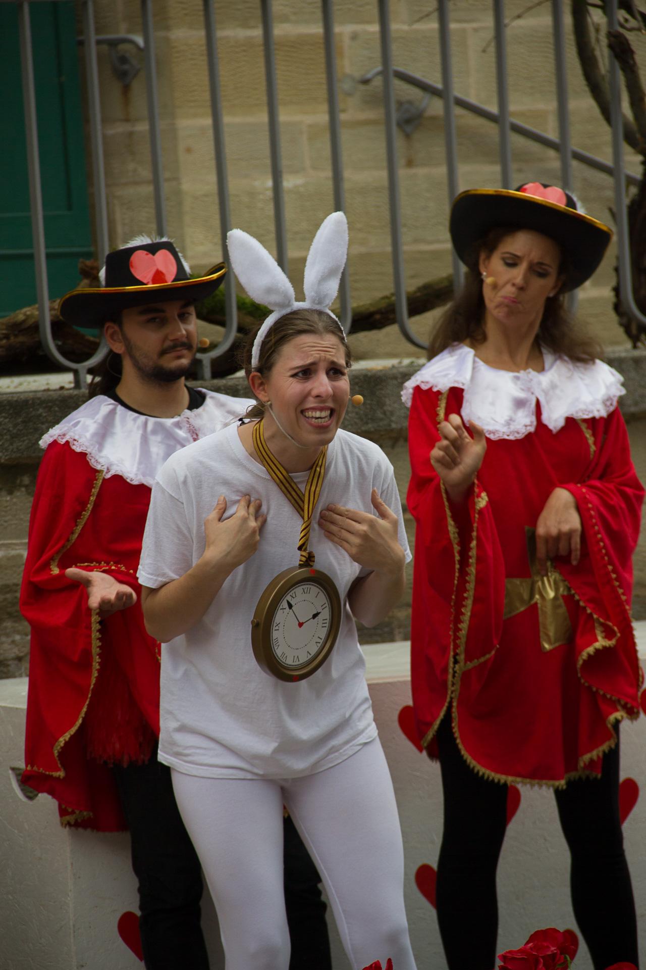 2018: Das weiße Kaninchen in Alice im Wunderland