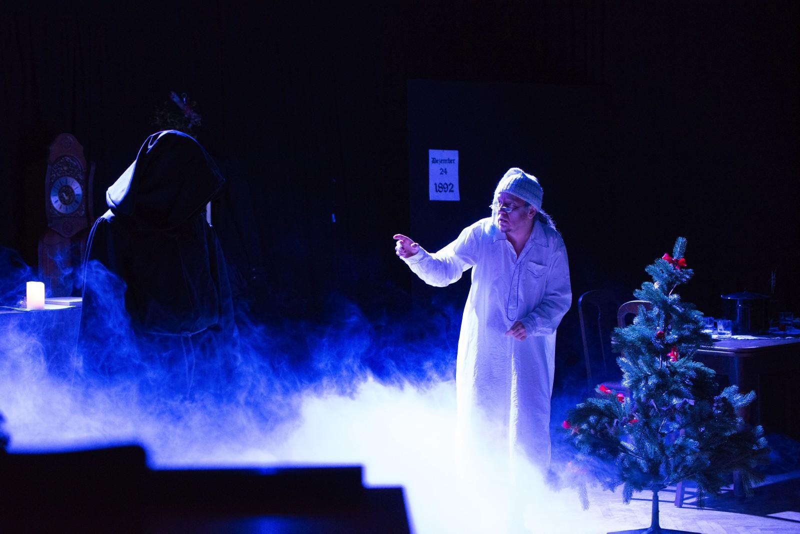 2019: Geist in Fröhliche Weihnachten, Mr. Scrooge