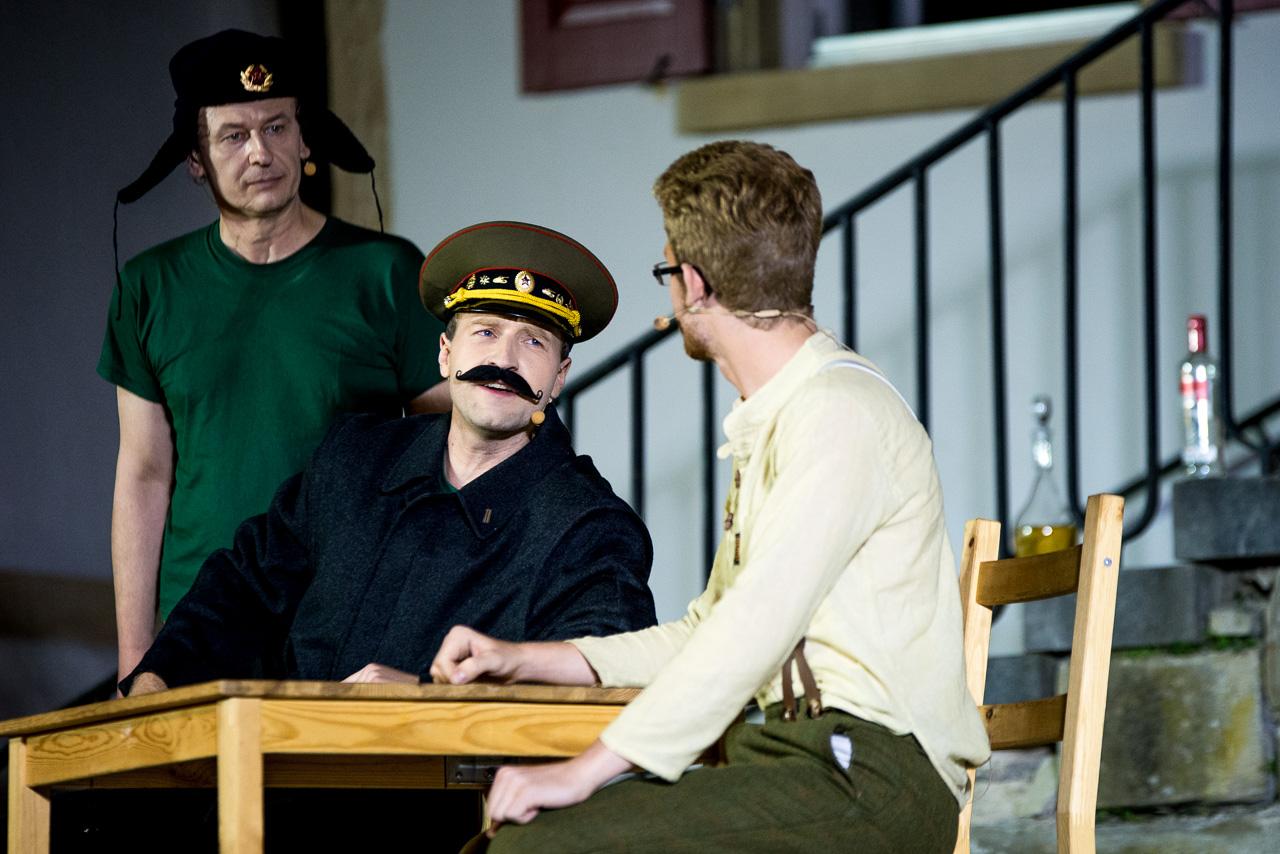 2015: Stalin in Der Hundertjährige
