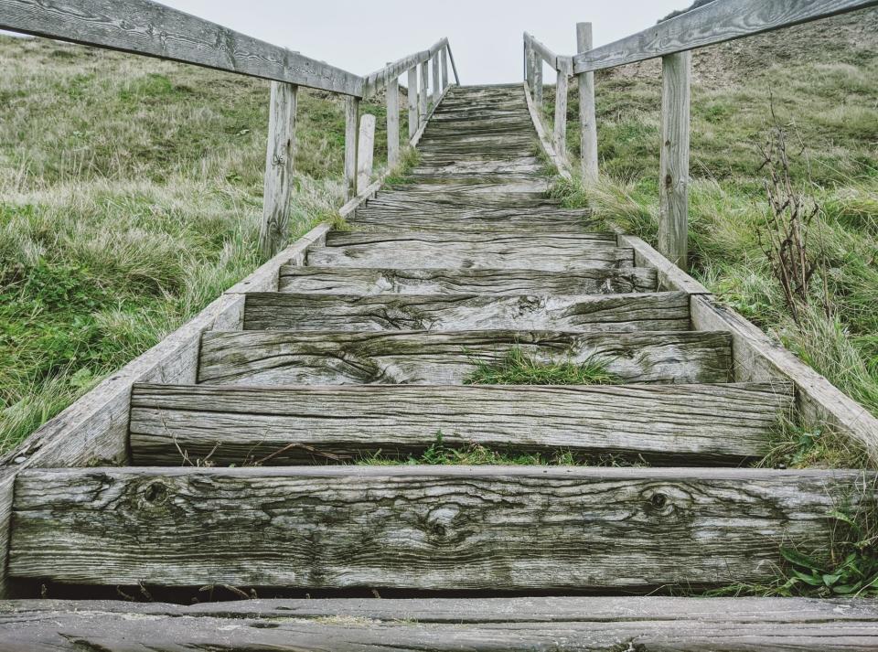 Führt die Treppe hoch oder runter?