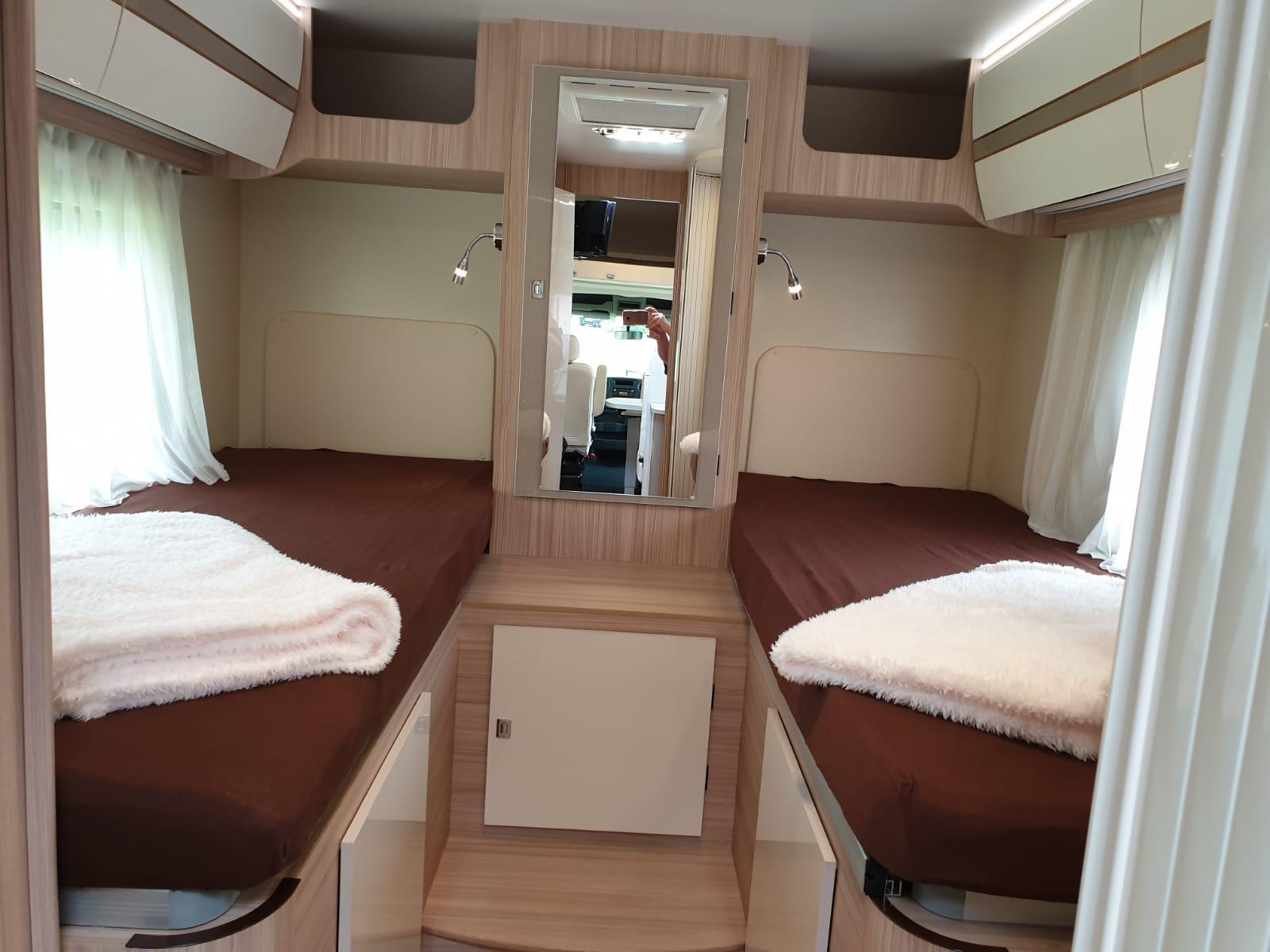 Renault Master 3 Canada AE - abgetrenntes Schlafzimmer