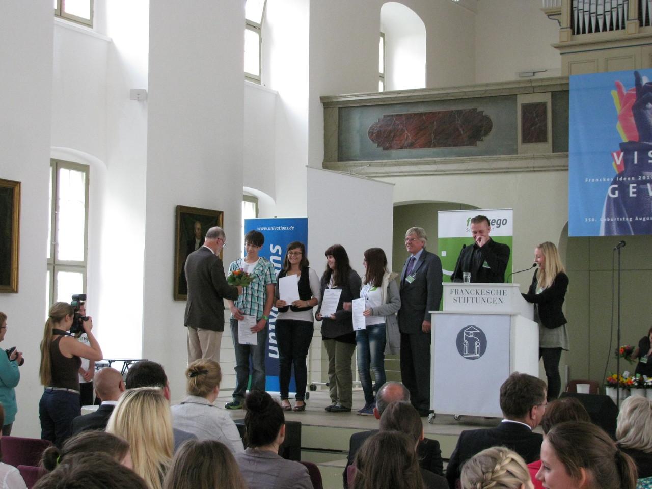 Gratulation an Kevin, Corinna, Anne & Susi - Wir gratulieren besonders Corinna & Kevin als Mitarbeiter unserer Schülerfirma