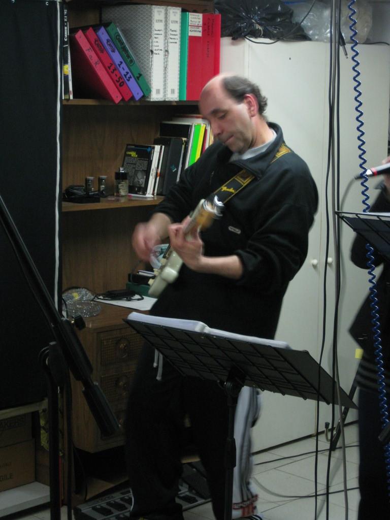 Alla chitarra.....FABIO
