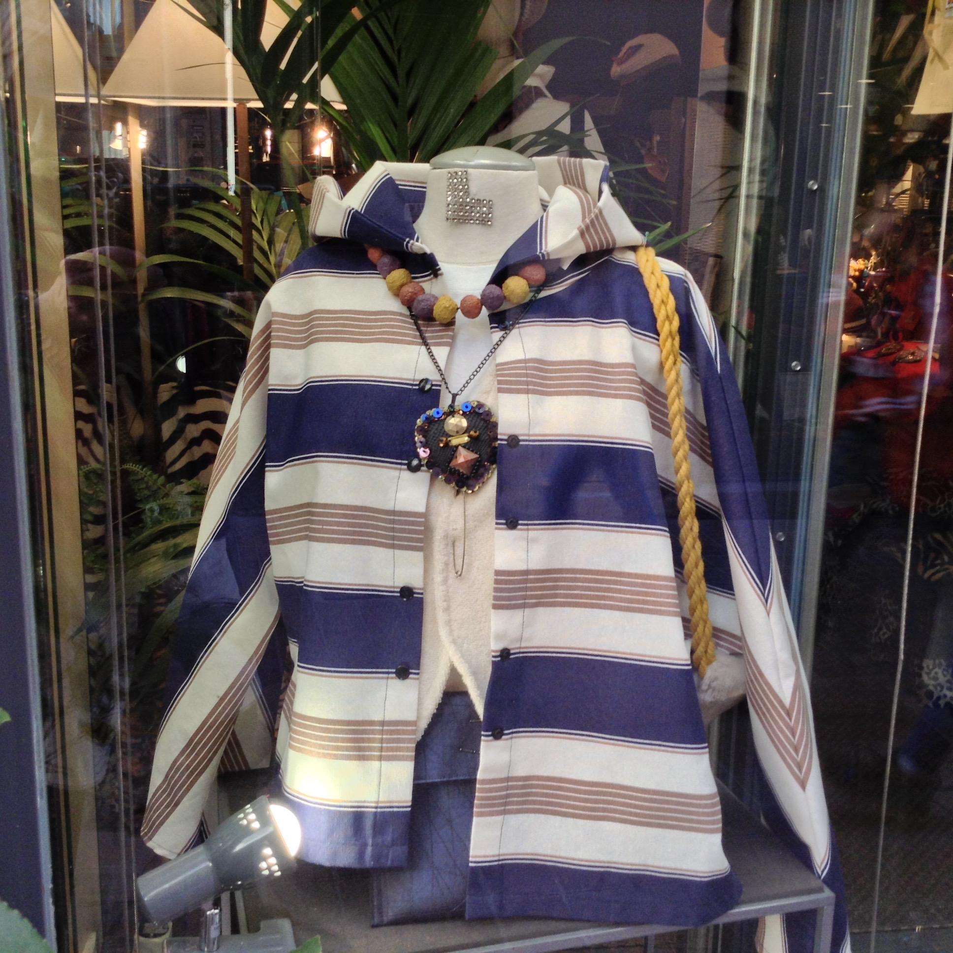 sur-Chemise à Capuche rayée Bleu marine & Beige
