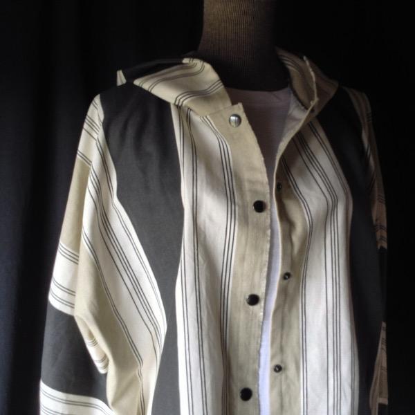 Chemise à Capuche Toile rayée Beige & Noir