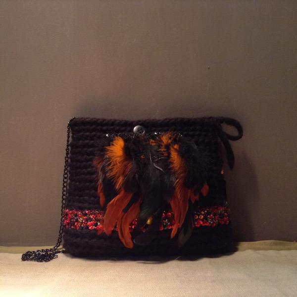 Petit sac Laine noire Brodé Plumes Perles Sequins