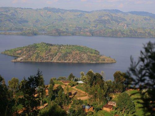 Twin-Lakes-Burera-and-Ruhondo-in-Rwanda