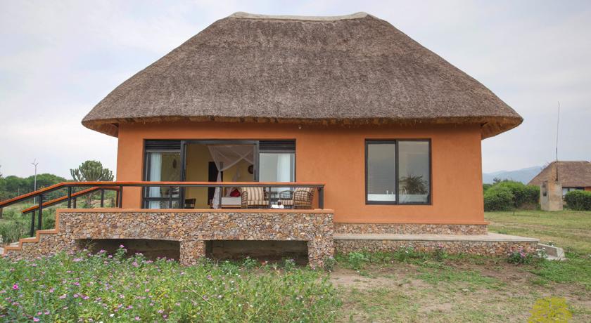 Ihamba-Lakeside-Safari-Lodge.jpg