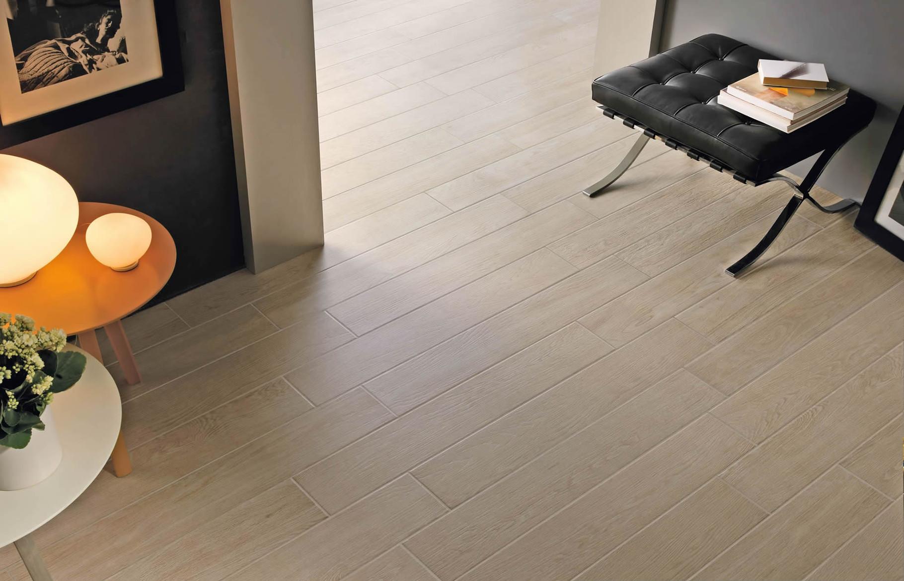 Gres porcellanato effetto legno casaeco pavimenti e rivestimenti in ceramica rubinetterie per - Stock piastrelle versace ...