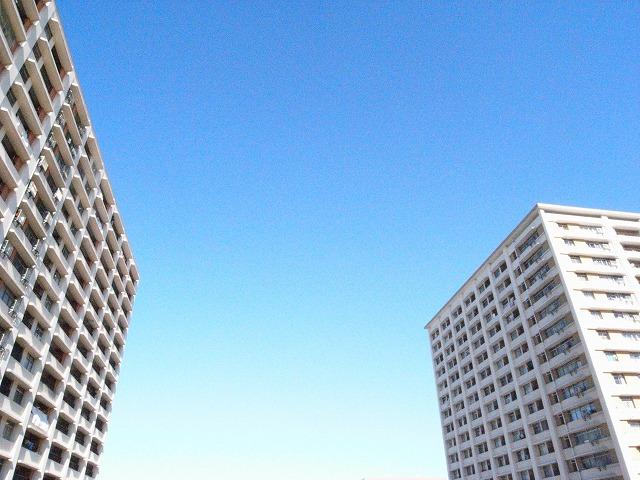 団地と青空はよく似合う。