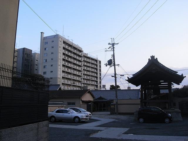 寺×団地 やっぱ京都は寺とのコラボが似合いますね。