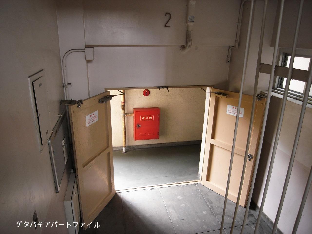 階段室の非常扉