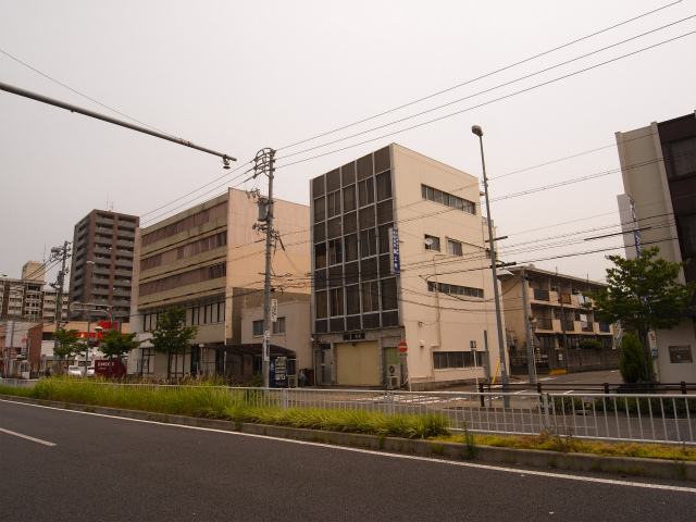最後に全景。 プチ面開発市街地住宅ですね。