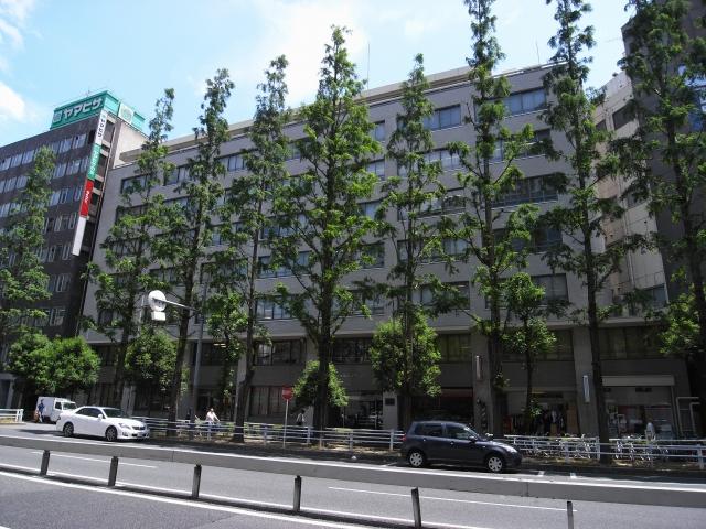 こちら団地裏面にある別棟。 梅田団地は市街地住宅の中で珍しい別棟タイプとなっています。 全面オフィスビル、裏は住宅と分かれています。