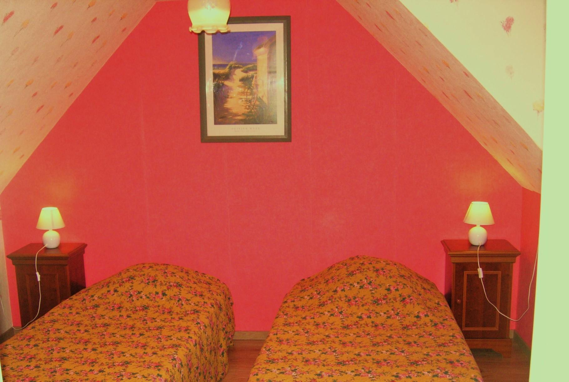 2ème chambre gite 2 lits 90x190 cm