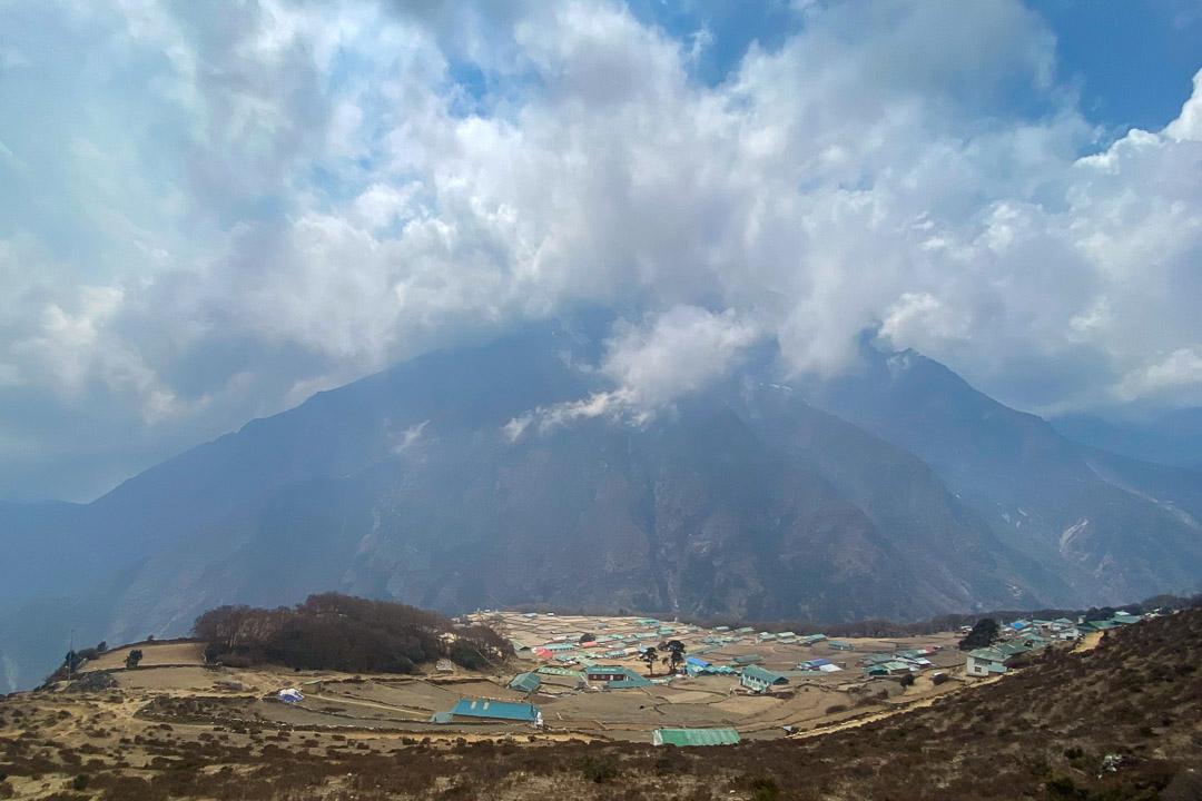 Das Dorf Phortse gilt als eines der schönstgelegenen Sherpadörfer im Khumbu