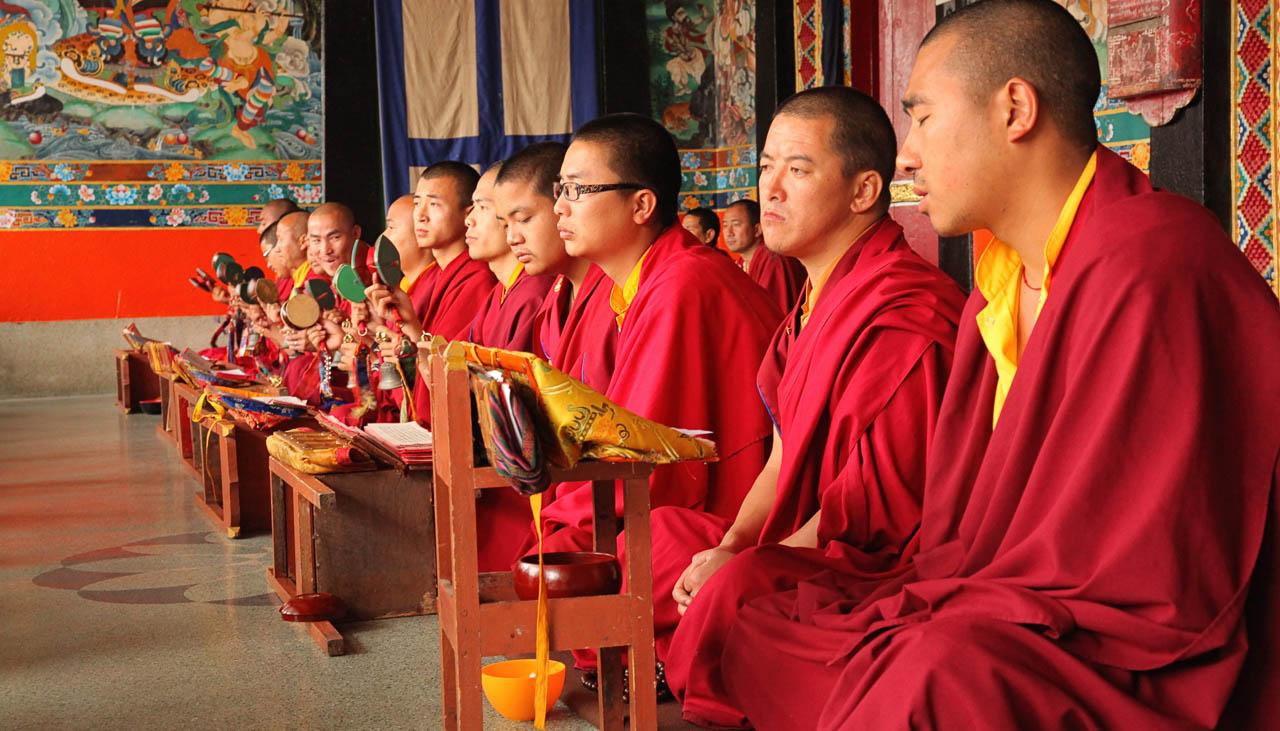 Mönche in einem buddhistischen Kloster