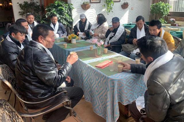 Für Tibeter ist es schwierig, ausserhalb der Tourismusbranche eine Arbeit zu finden.