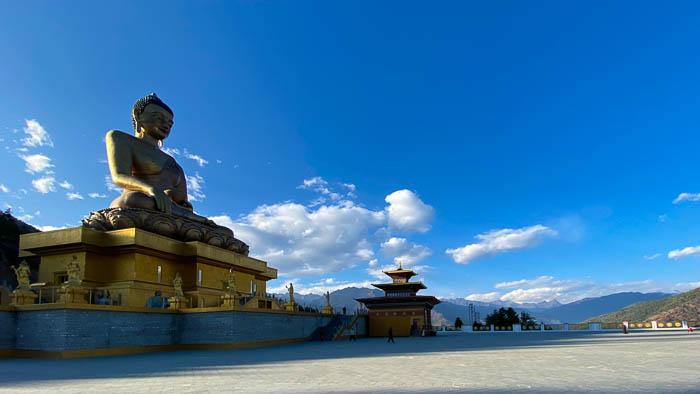 Die grosse Buddhastatue im Hauptort Thimphu