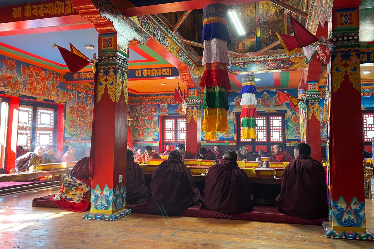 Buddhistische Gebetszeremonie im Kloster Khumjung