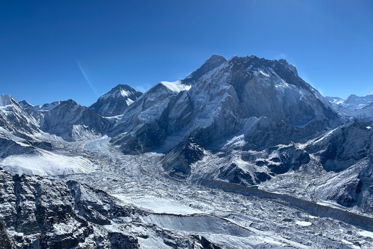 Blick vom Gipfel Richtung Mount Everest.
