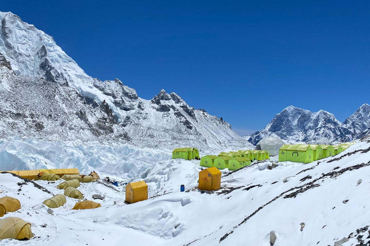 Zeltcamps im Everest Basecamp.