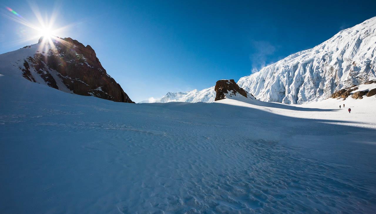 Unverhoffter Schnee während eines Nepaltrekkings