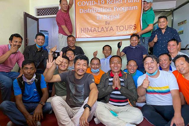 Unsere Crew in Nepal freut sich über die unerwartete Corona-Hilfe aus der Schweiz