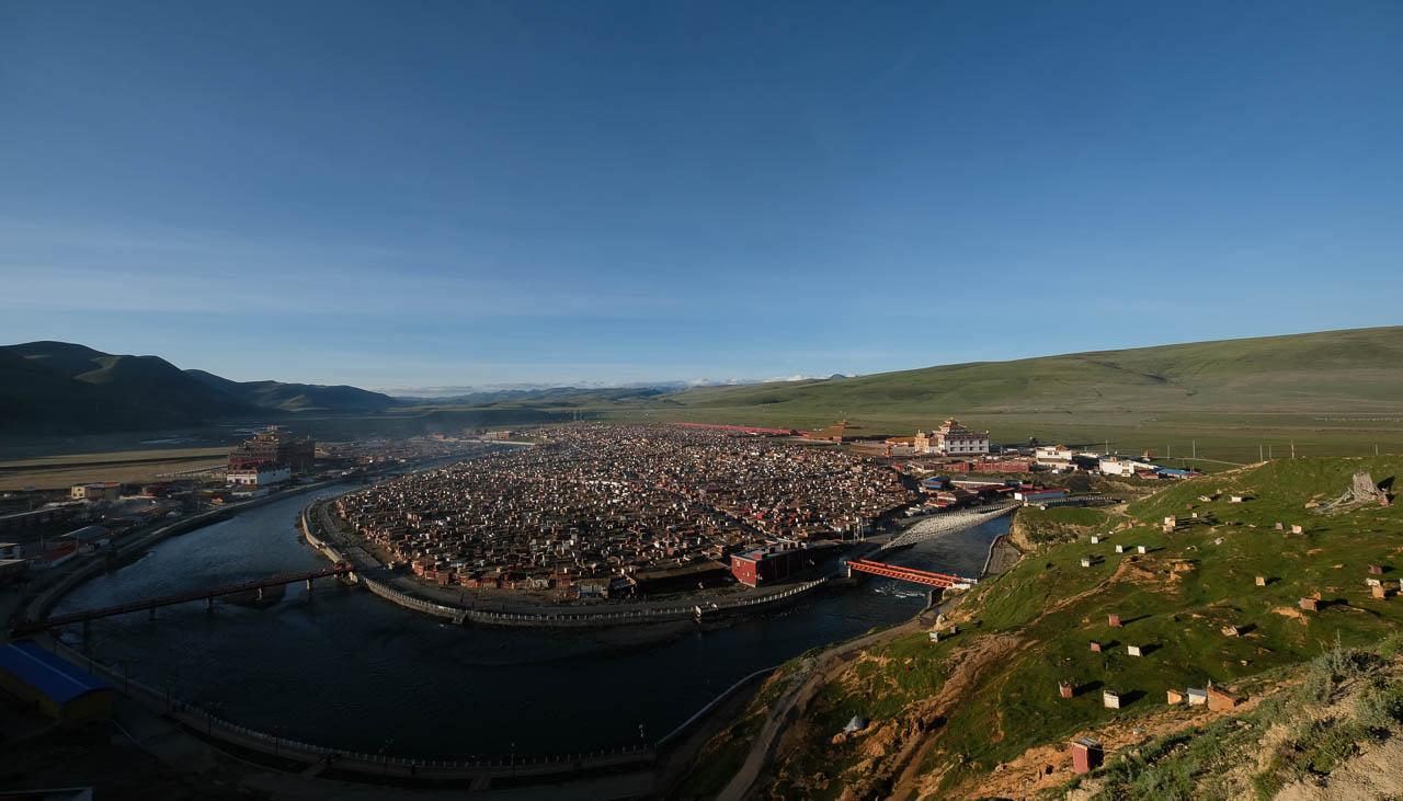 In der Klosterstadt Yarchen Gar sollen über 20'000 Mönche und Nonnen wohnen