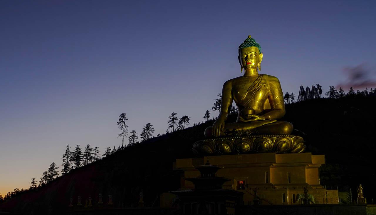 Grosse Buddhastatue beim Hauptort Thimphu