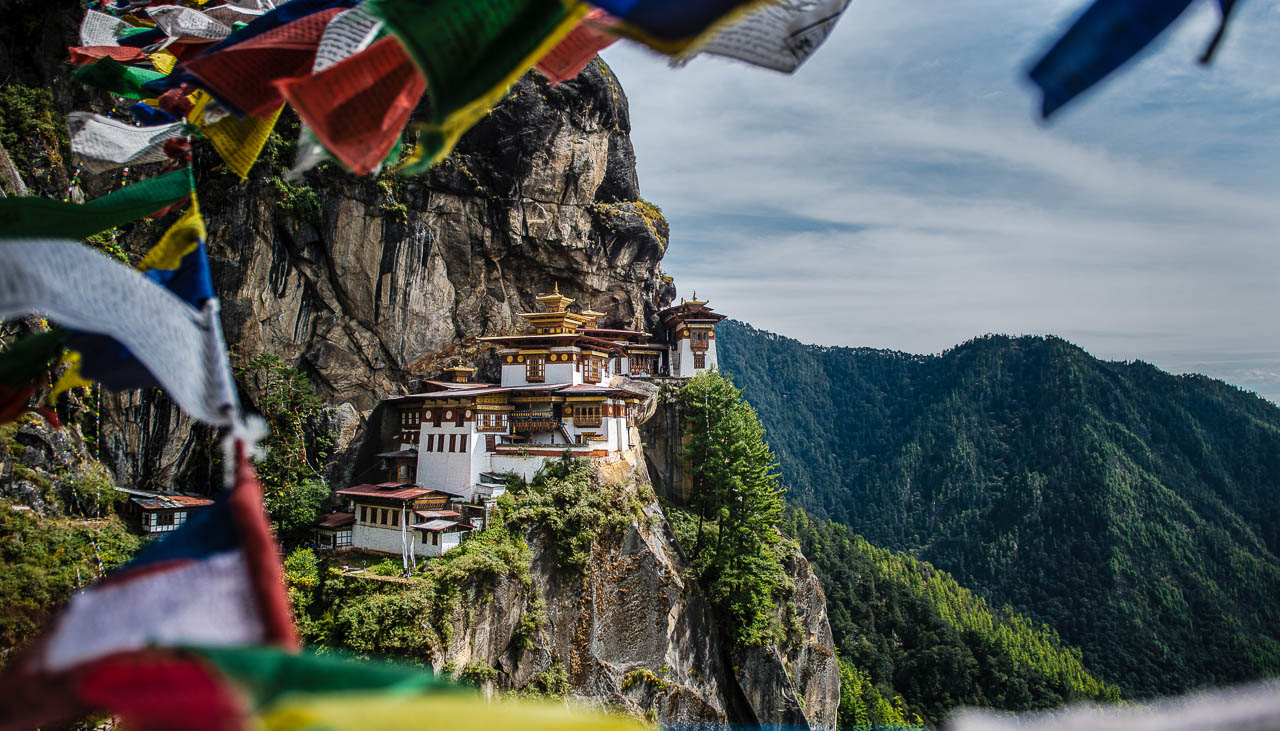 Tigernest Kloster im Tal von Paro in Bhutan