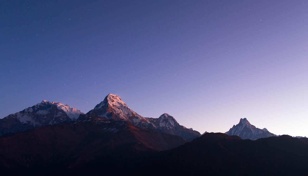 Fishtail Mountain bei Pokhara bei Nacht