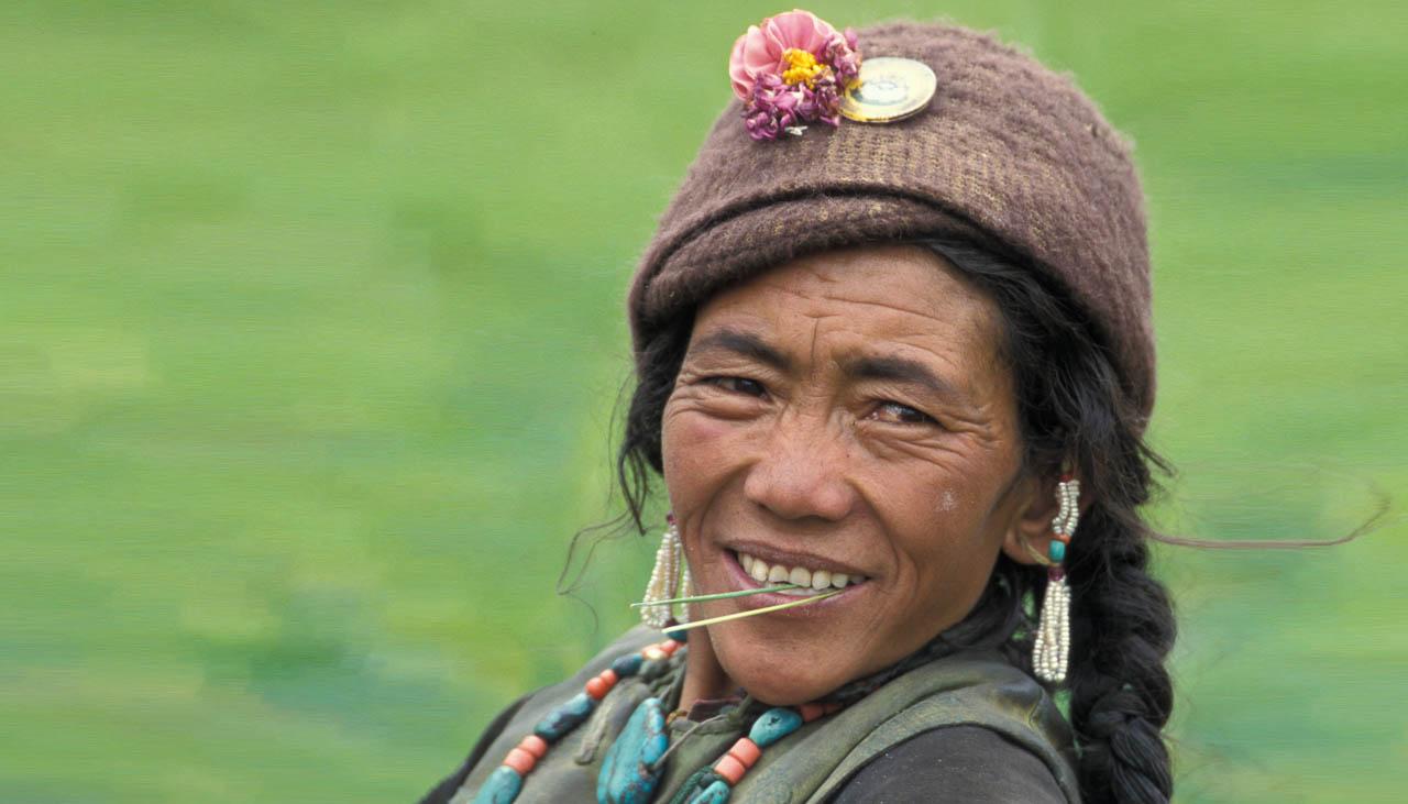 Frau aus dem Dorf Shade in Zanskar