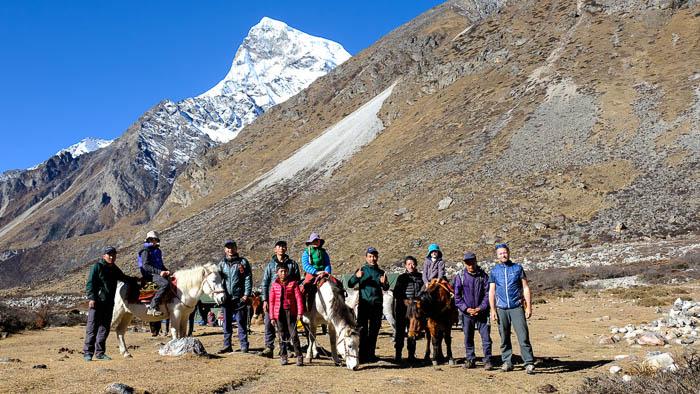 Da es keine lokalen Guides gibt, welche die Route kennen, haben wir gleich einige zur Rekognoszierung mitgenommen und es waren alle begeistert von diesem Trekking.