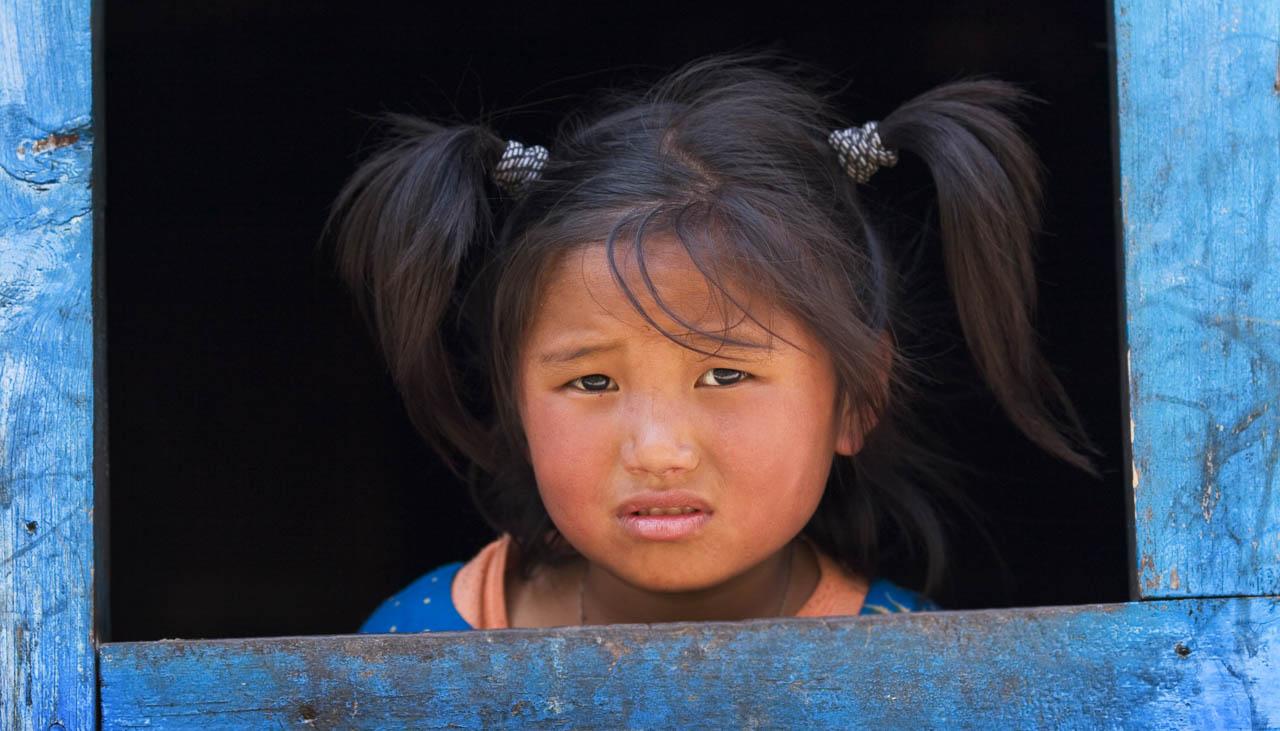 Junges Mädchen im Himalaya