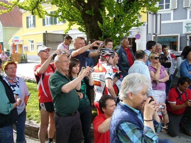 Start in Stainz: Viele Menschen, Freunde, Bekannte und Fans sind gekommen!