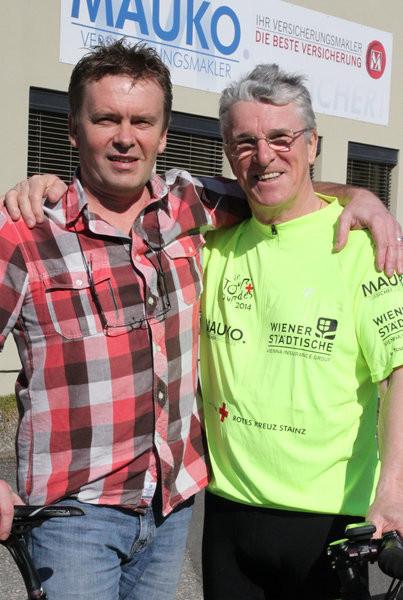 Peter Reicher (re.) mit Unterstützer und Freund Michi Mauko in Stainz Bild aus der Zeitschrift meine WOCHE Nr.12 v.19./20.03.2014