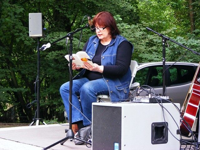 Angelika Stephan liest aus ihrem Buch