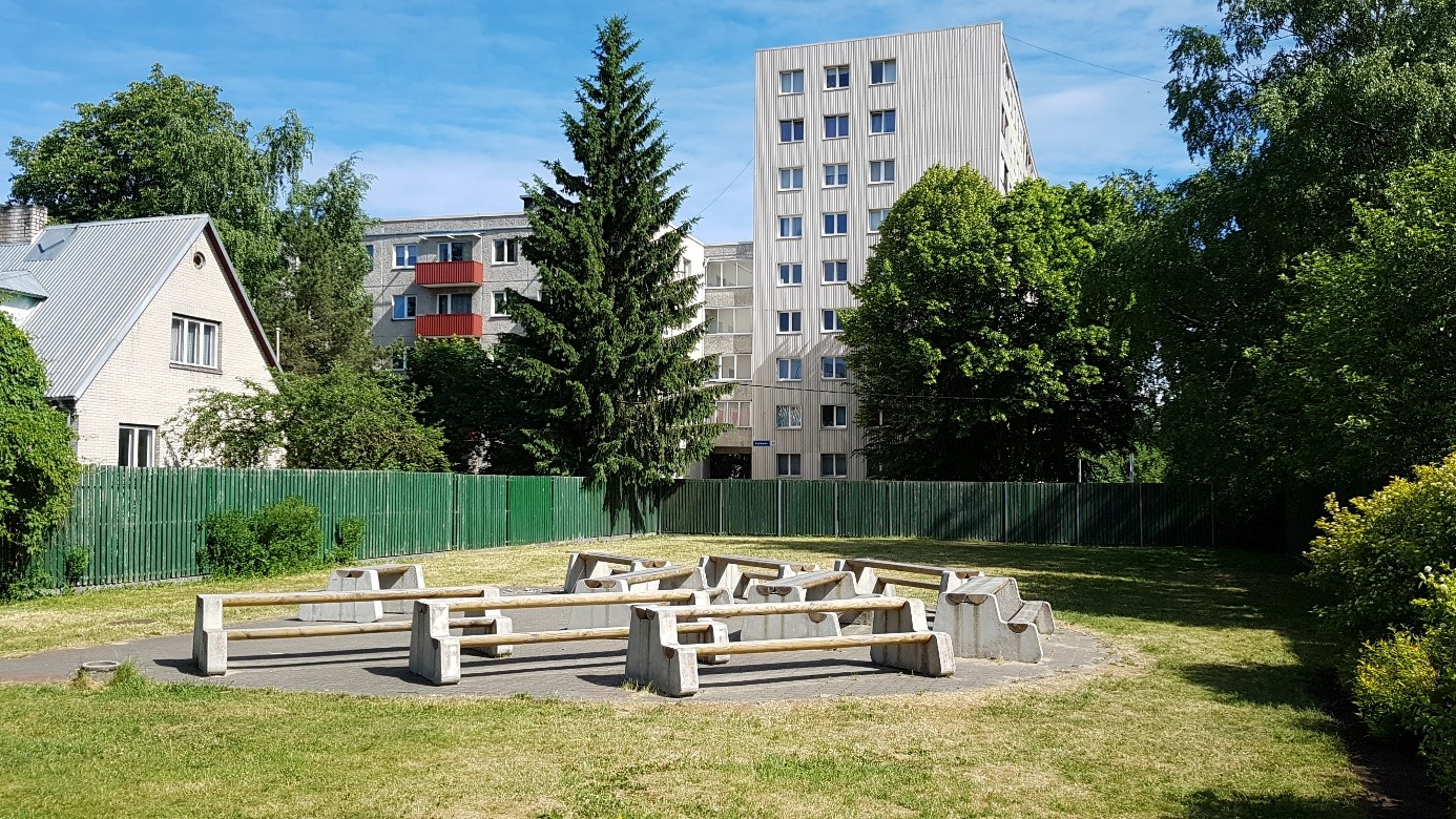 Open air class Lilleküla Gymnasium Tallinn Estland
