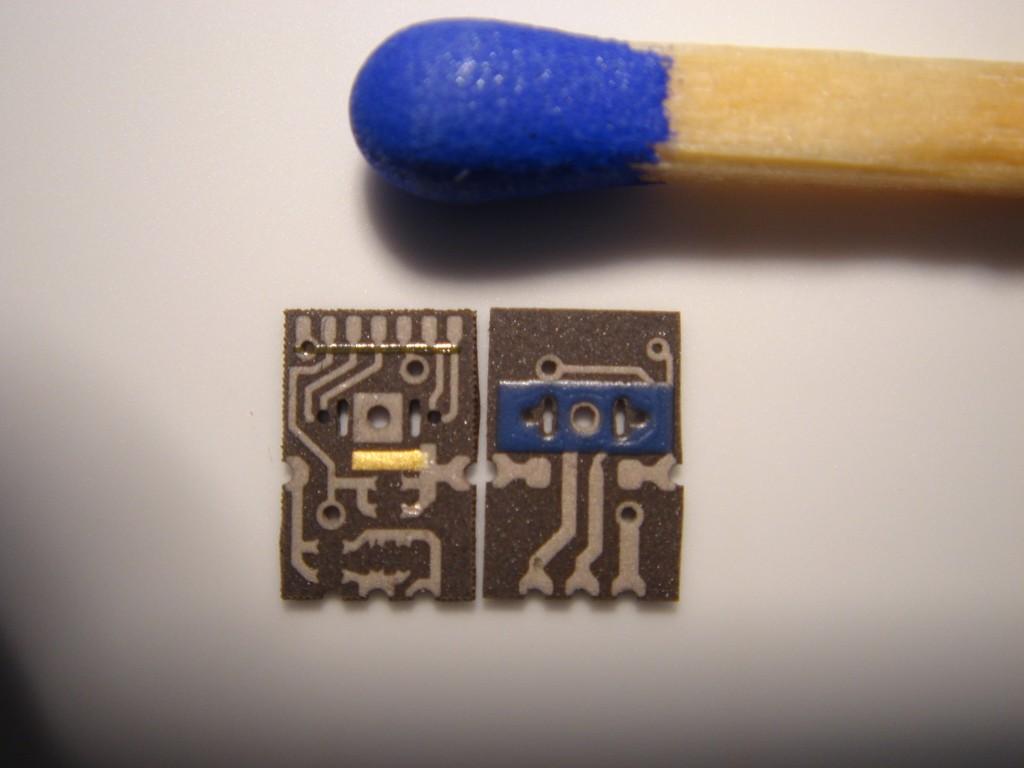 Chip-Layout auf schwarzer Keramik