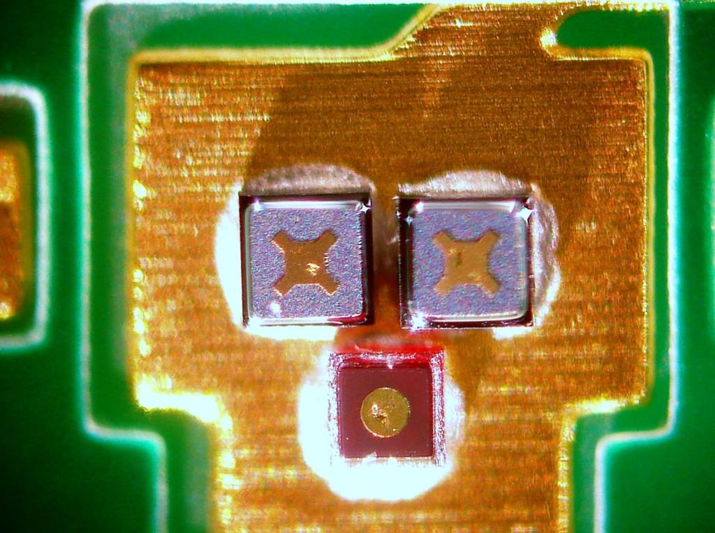 COB auf FR4 - 80µm Chipabstand