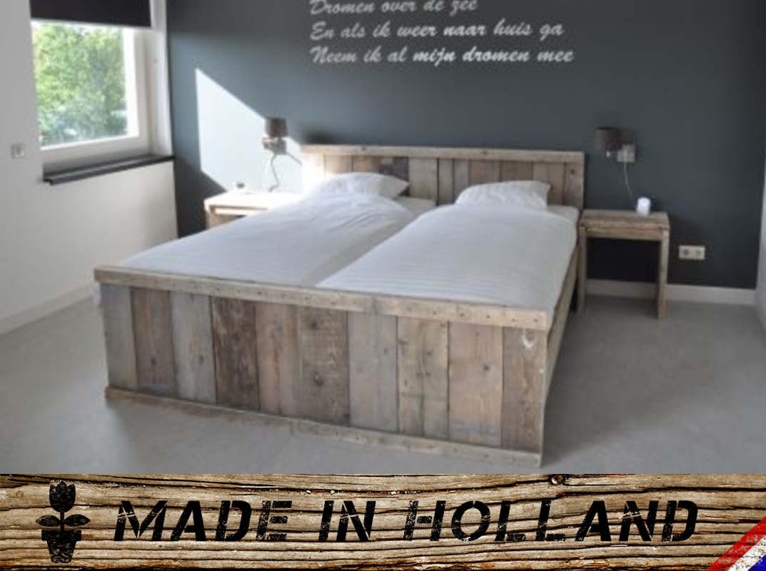 handgefertigtes bett aus ger stholz made in holland. Black Bedroom Furniture Sets. Home Design Ideas