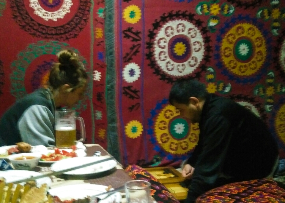 Backgammon contre les ouzbeks