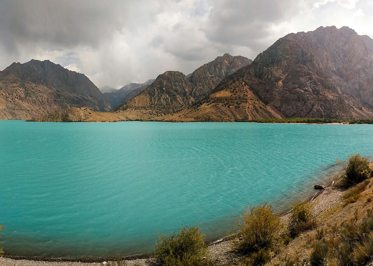 Le lac Iskander Kul